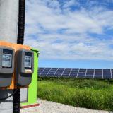 太陽光発電で貯めた電気は売るより使う(自家消費型)が得になる